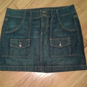 Old Navy blue jean skirt size 8